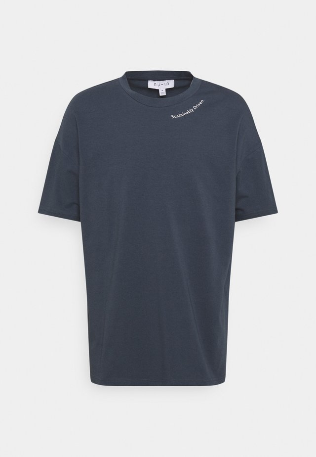 SUSTAINABLY DRIVEN OVERSIZED - T-shirt imprimé - navy
