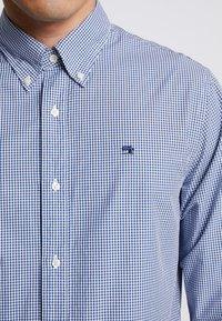 Scotch & Soda - CRISPY REGULAR FIT BUTTON DOWN COLLAR - Shirt - light blue - 5