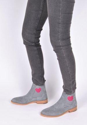 SUVI  - Ankle boots - grau