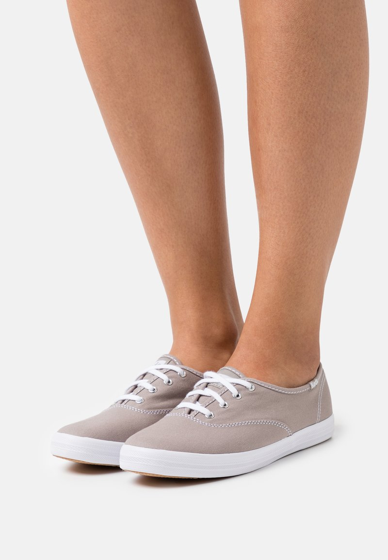 Keds - CHAMPION - Sneakers laag - graphite