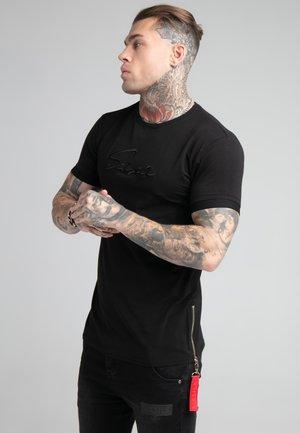 SIGNATURE FLIGHT TEE - Print T-shirt - black