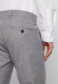 Antony Morato - SLIM JACKET BONNIE PANTS  - Oblek - grey melange - 7