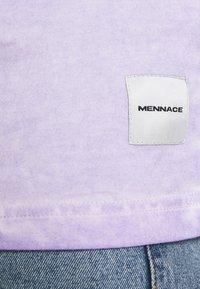 Mennace - ON THE RUN TAB REGULAR - T-shirt med print - lilac - 5