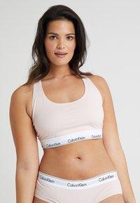 Calvin Klein Underwear - MODERN PLUS UNLINED BRALETTE - Bustier - nymphs thigh - 0