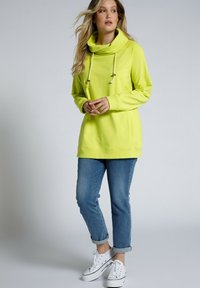 Ulla Popken - Sweatshirt - gelbgrün - 0