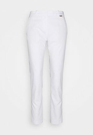 HEDIAS SOFT STRUCTURE - Kalhoty - white