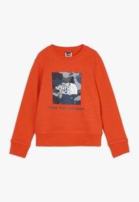 The North Face - BOX CREW UNISEX - Sweatshirt - fieryred/blue - 0