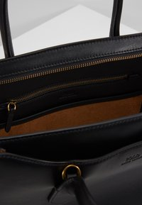 Polo Ralph Lauren - SLOANE - Sac à main - black - 5