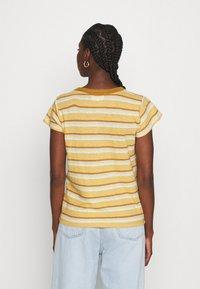 Madewell - PERFECT VINTAGE TEE - Print T-shirt - sahara sand - 2
