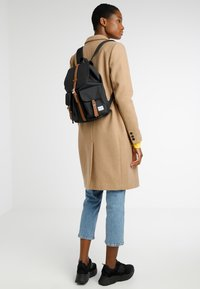 Herschel - DAWSON X SMALL - Reppu - black/tan - 1