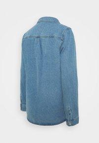 Pieces Maternity - PCMGRAY - Denim jacket - light blue denim - 1