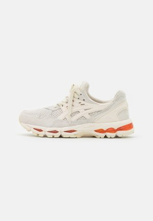 GEL-KAYANO TRAINER 21 UNISEX - Sneakers - birch