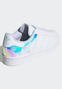 adidas Originals - SUPERSTAR J - Trainers - white - 2
