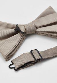 Burton Menswear London - DROOPY BOW - Vlinderdas - neutral - 2