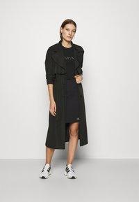 Calvin Klein Jeans - SLUB MINI SKIRT - Pencil skirt - black - 1