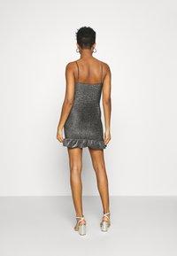 Topshop - GLITTER STRAPPY RUCH MINI - Vestido informal - silver - 2