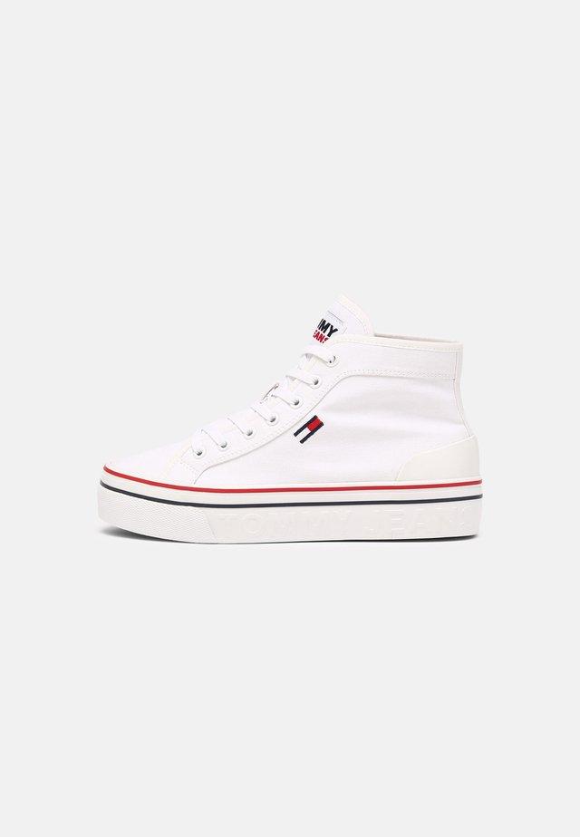 MID FLATFORM VULC - Sneakers hoog - white