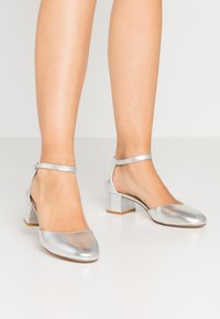 Anna Field - LEATHER CLASSIC HEELS - Tacones - silver - 0