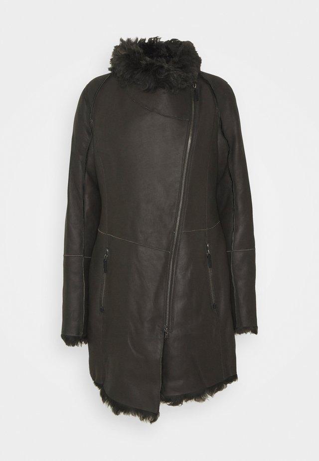 MELBORUNE ANCHOR - Leather jacket - olive antracite