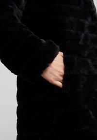 RIANI - Zimní kabát - black - 7
