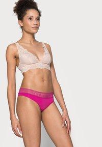 Calvin Klein Underwear - BRAZILIAN - Tanga - bright magenta - 3