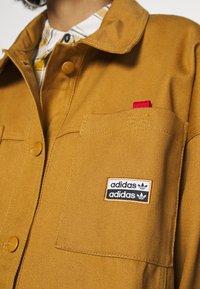 adidas Originals - JACKET - Lett jakke - mesa - 5