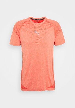 TRAIN TECH  - Basic T-shirt - poppy red