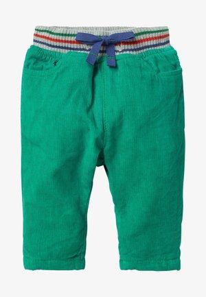 MIT GERIPPTEM BUND - Shorts - schottengrün
