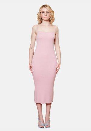 IRIA - Gebreide jurk - pink