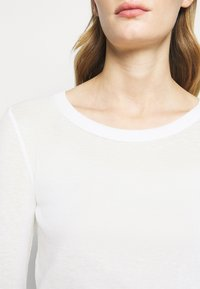 CLOSED - WOMEN´S - Long sleeved top - ivory - 7
