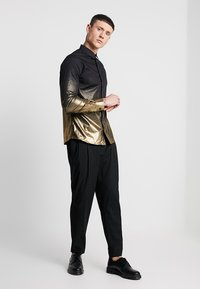 Twisted Tailor - THESEUS  - Shirt - black - 1