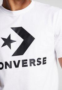 Converse - STAR CHEVRON TEE - Camiseta estampada - white - 5