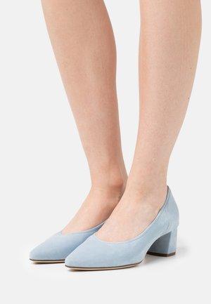 PRESTIGE - Classic heels - jeans