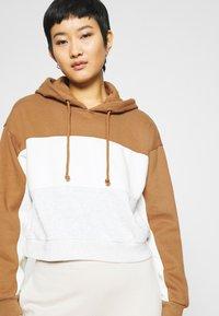 Abercrombie & Fitch - HOODIE - Sweatshirt - tan - 3