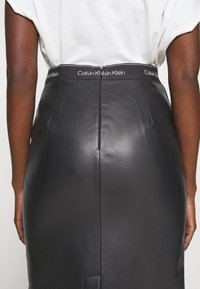 Calvin Klein - MIXED MEDIA PENCIL SKIRT - Pencil skirt - black - 5