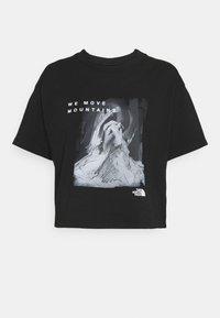 The North Face - CROP TEE - Camiseta estampada - black - 4