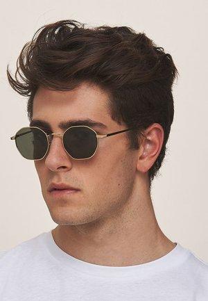PRASLIN - Sunglasses - gold olive