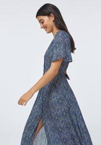 OYSHO - LONG LILAC FLORAL - Korte jurk - dark blue - 1