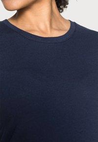 GAP - CREW - T-shirt basic - navy uniform - 4