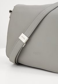 Bree - TOP HANDBAG - Handbag - stone - 5