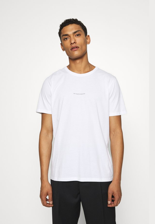 ETHAN PRINT TEE - T-shirts med print - white