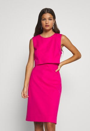 SPRING SHOWERS DRESS BISTRETCH  - Etuikleid - soft fuchsia