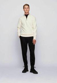BOSS - ZAPPER - Sweatshirt - white - 1