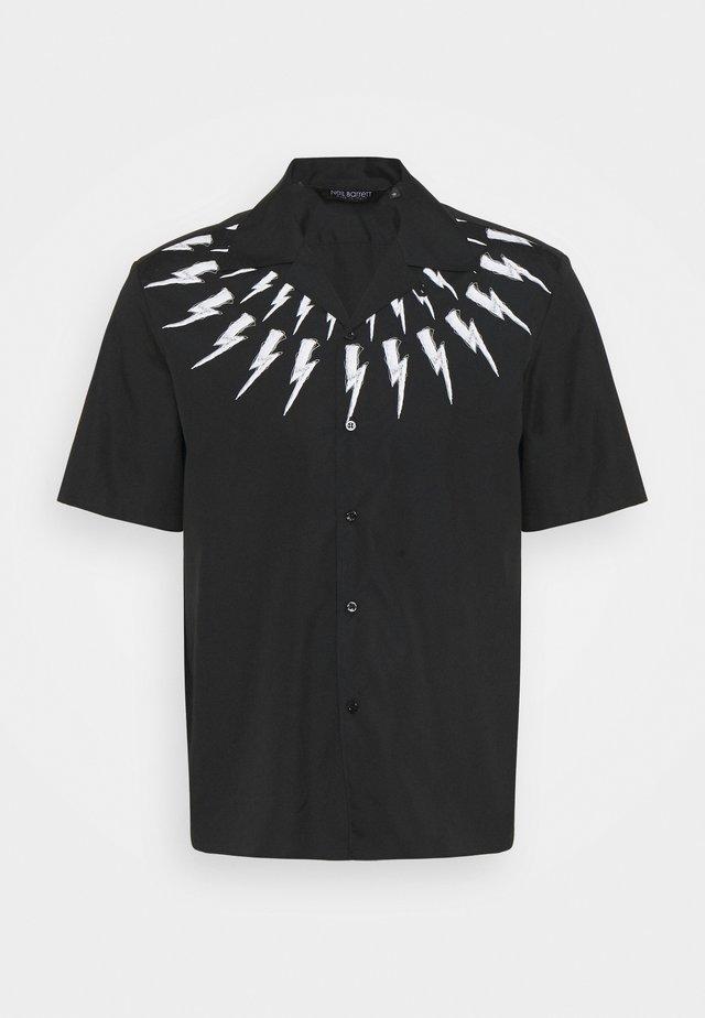 FAIR ISLE THUNDERBOLT PRINT HAWAIIAN - Camicia - black/white