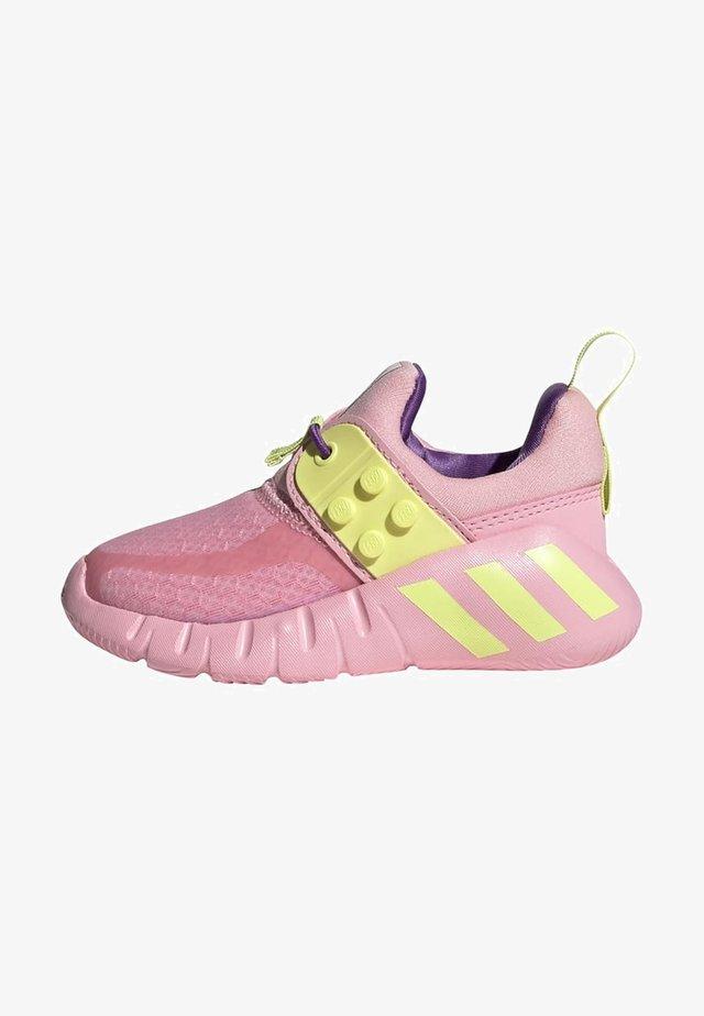 Zapatillas de entrenamiento - pink