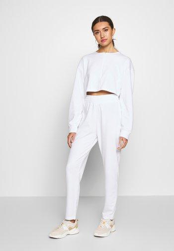 ZIP FRONT CROPPED  SLIM LINE SET - Survêtement - white