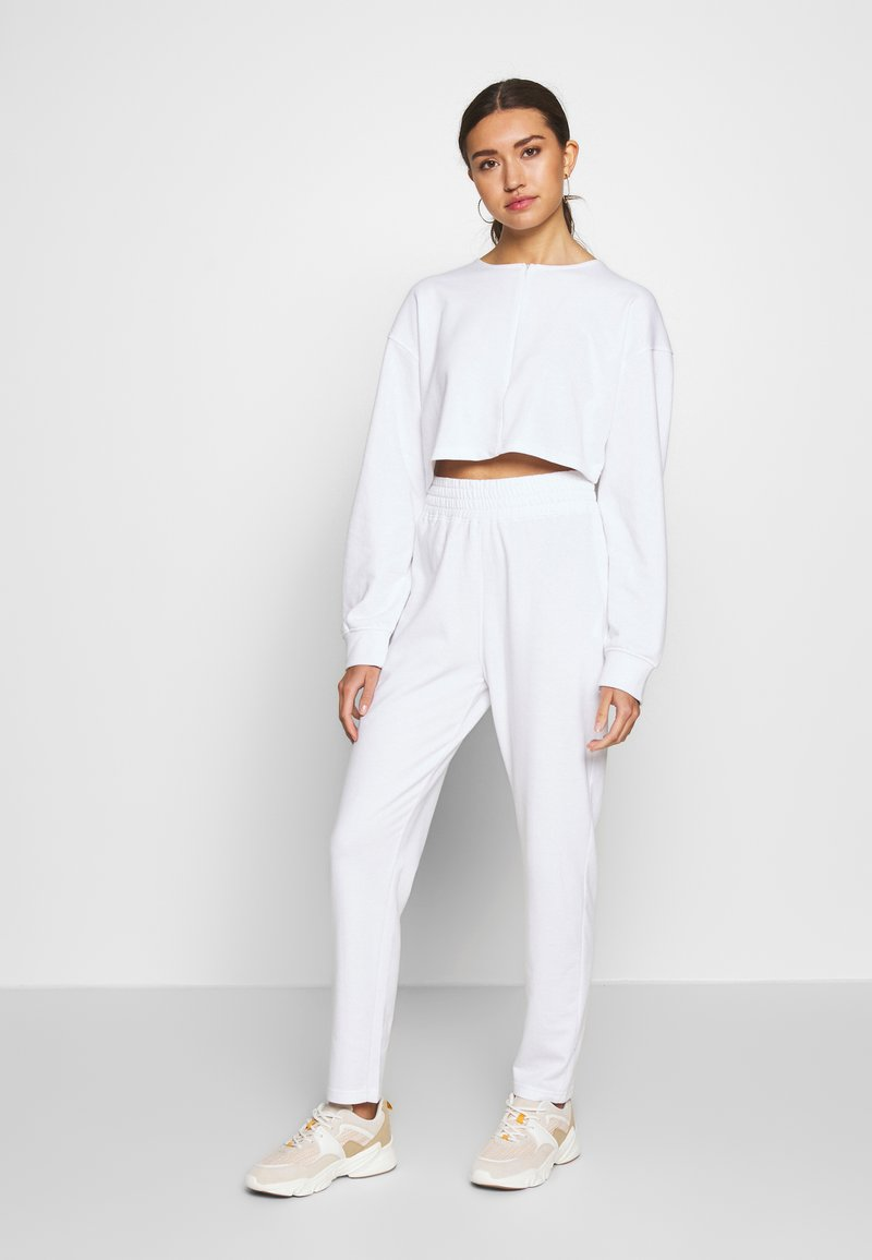 Missguided - ZIP FRONT CROPPED  SLIM LINE SET - Survêtement - white