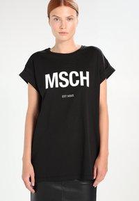 Moss Copenhagen - ALVA TEE - Print T-shirt - black/white - 0