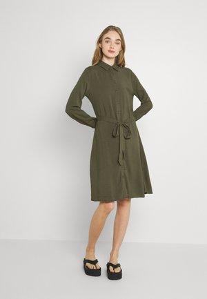 IHMAIN - Košilové šaty - ivy green