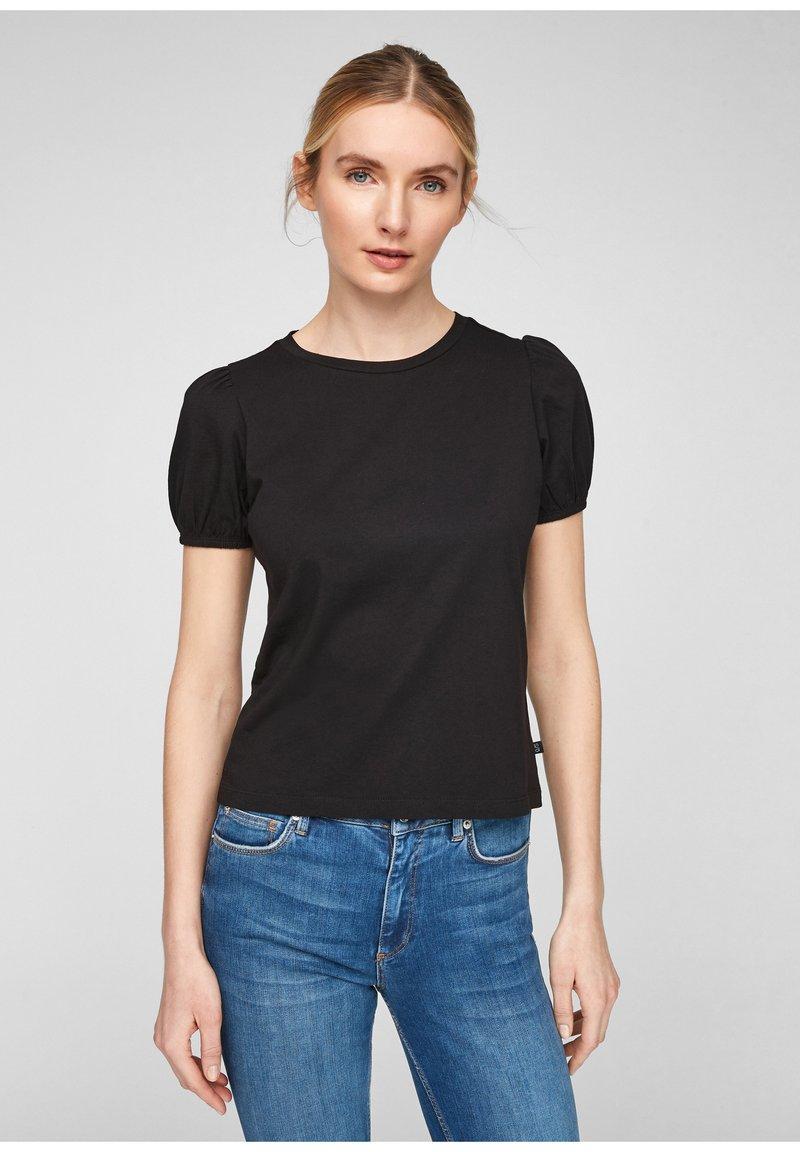 QS by s.Oliver - MIT PUFFÄRMELN - Print T-shirt - black